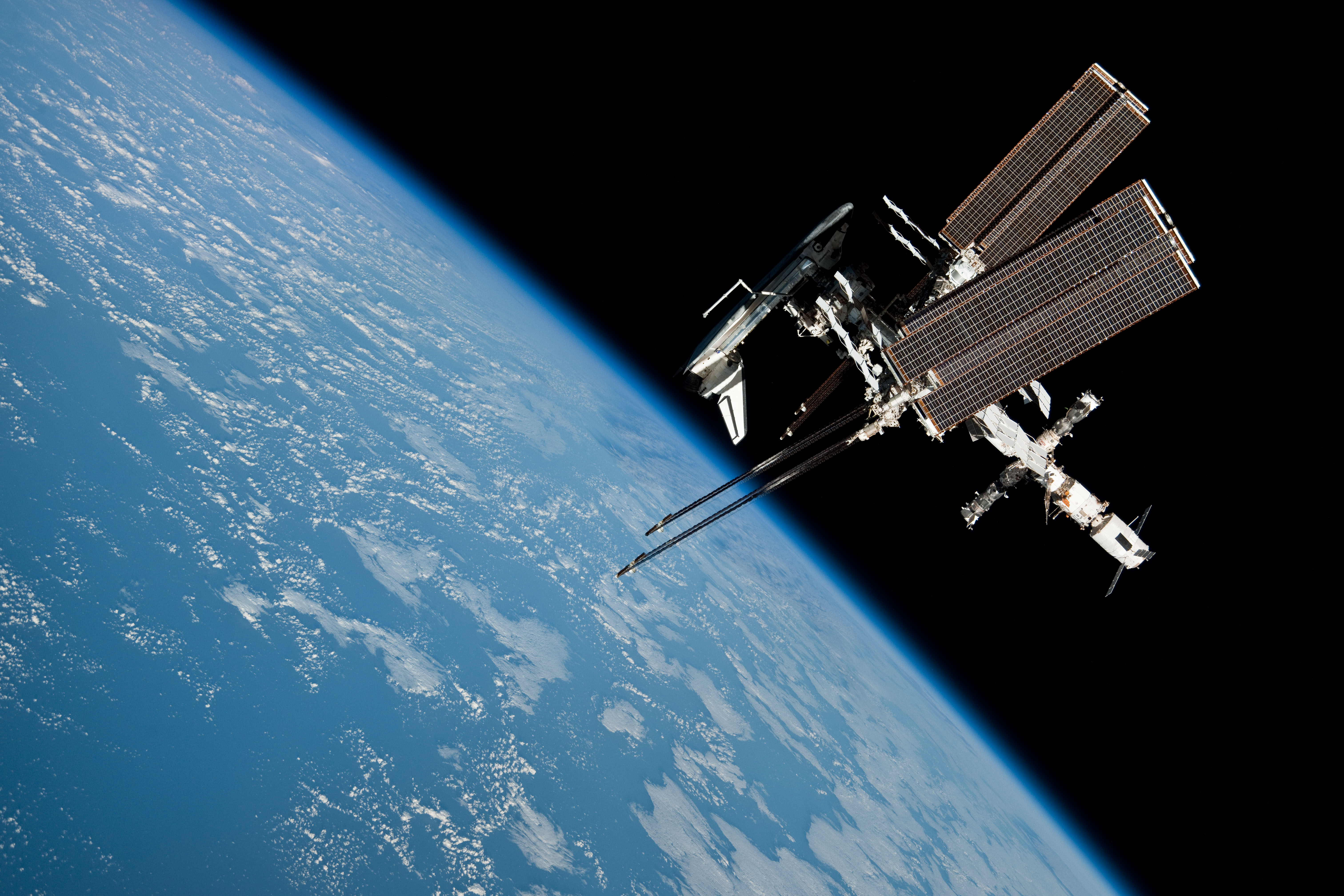 ISS_and_Endeavour_seen_from_the_Soyuz_TMA-20_spacecraft_30.jpg